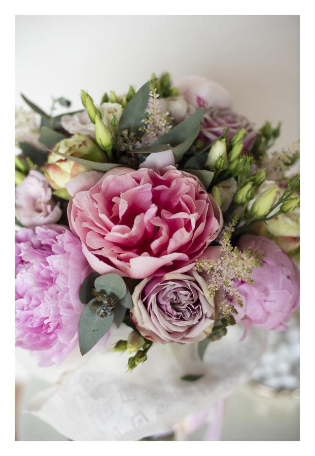 bouquet di fiori con peonie