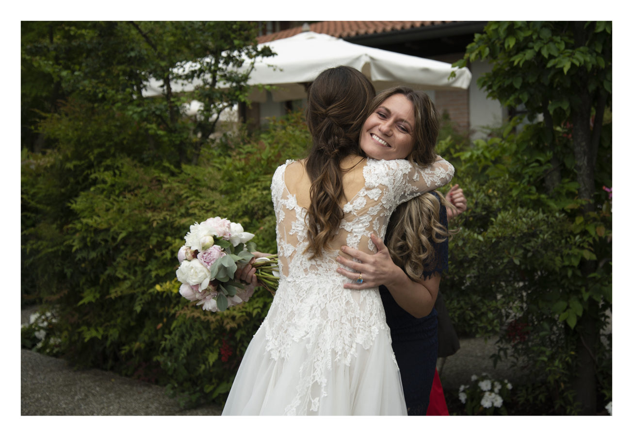 lancio bouquet sposa
